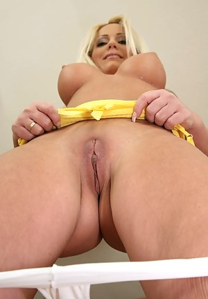 Free MILF Beauty Porn Pictures