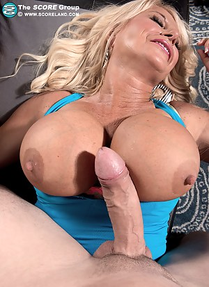 Free MILF Gonzo Porn Pictures